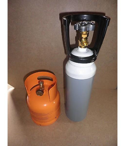 Bombola Ossigeno da 7  litri e bombola propano 2 kg  saldatura cannello